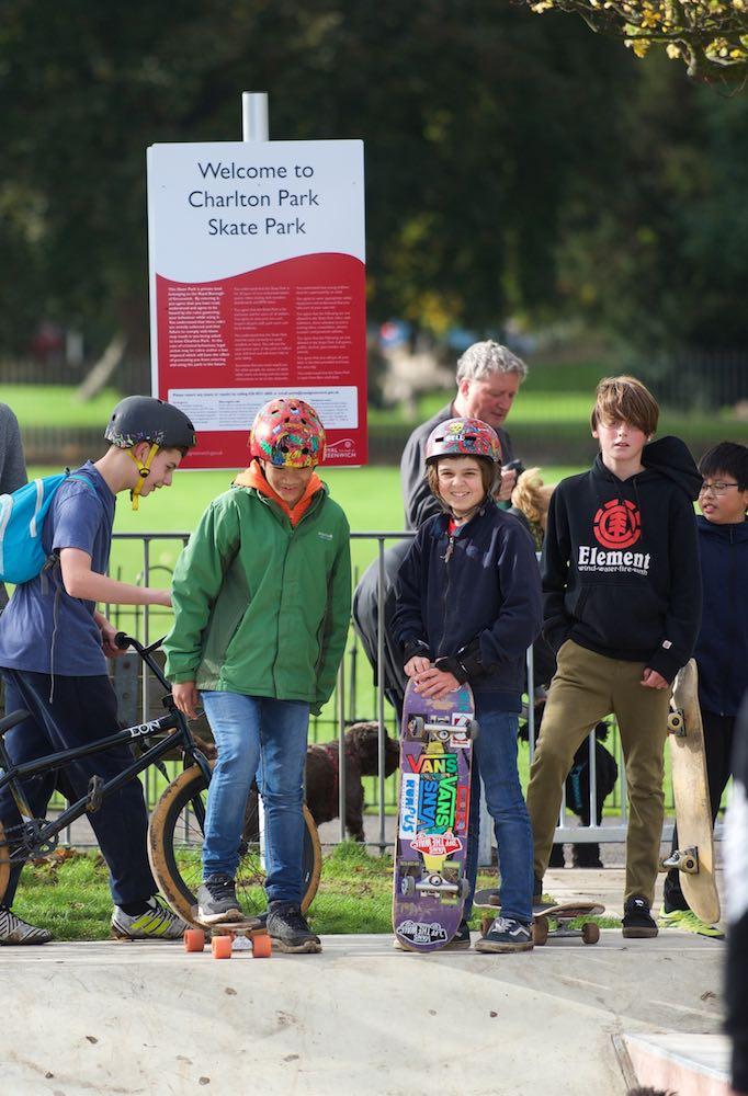 Adult & teen skateboard lesson in charlton park